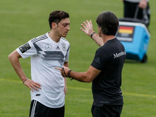 ĐT Đức, Ozil nguy cơ lỡ World Cup: Gotze & trò cưng Pep, ai thế chỗ?
