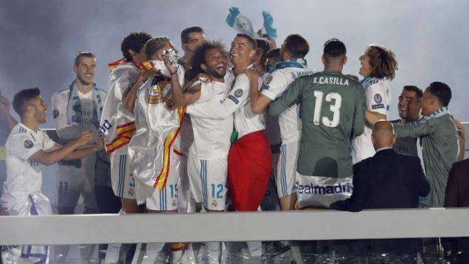 Nóng: Ghét Perez bội ước, sợ Neymar, Ronaldo chắc chắn rời Real Madrid - 1