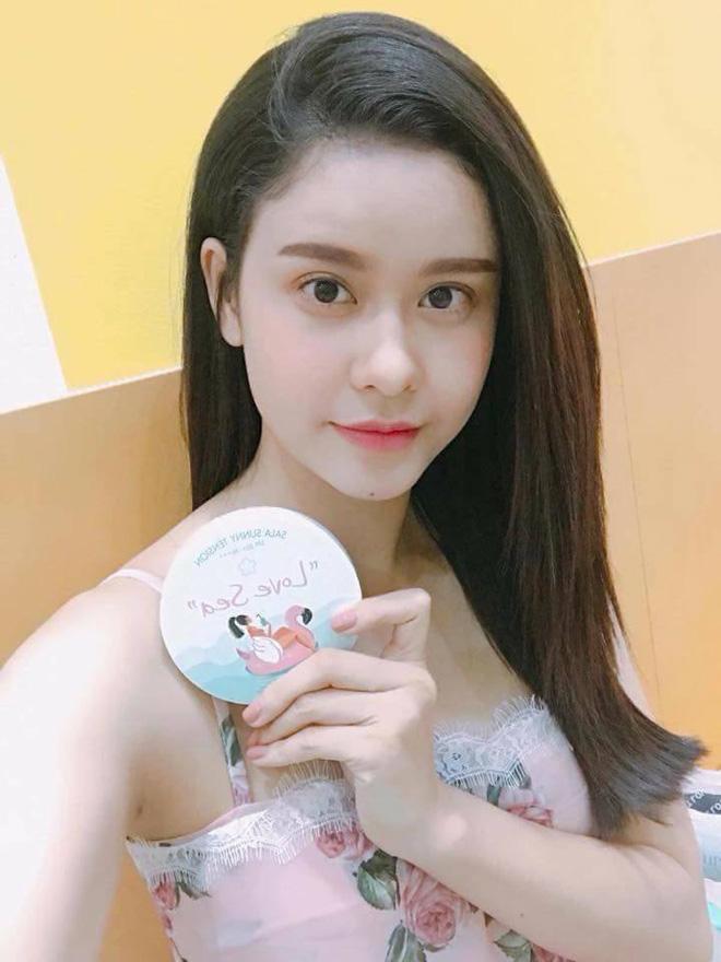 Showbiz Việt phấn khích với phấn chống nắng Sala Tension Love sea - 1