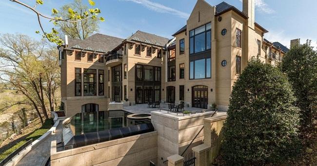 Căn nhà trị giá 23 triệu USD của Jeff Bezos từng là căn nhà đắt nhất Washington DC khi tỷ phú này mua vào năm 2016.
