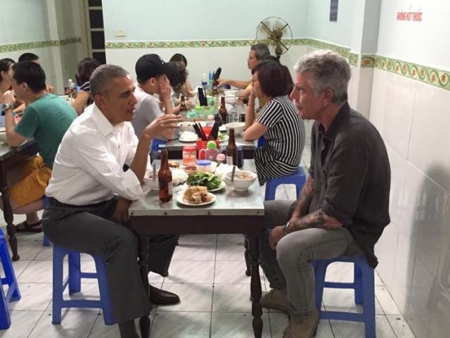 Đầu bếp ăn bún chả cùng Obama qua đời vì tự sát