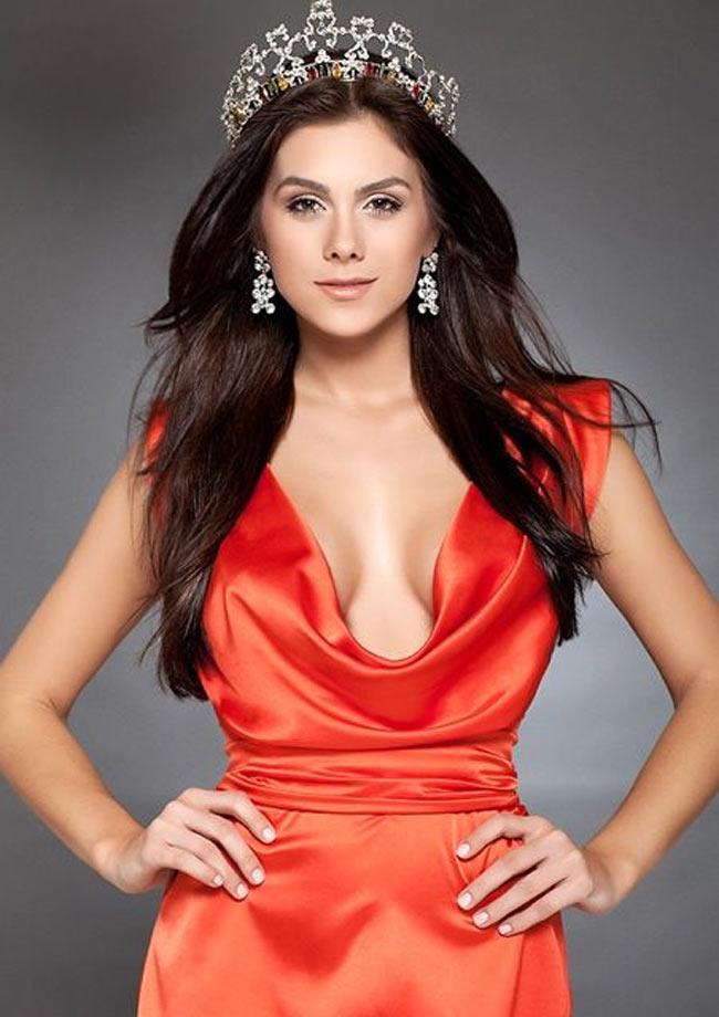 Lopyreva không phải đại sứ World Cup đầu tiên trong lịch sử là hoa hậu.