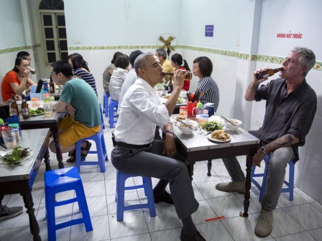 Obama nhớ lại lần ăn bún chả Hà Nội với đầu bếp Bourdain