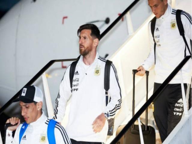 """Dàn sao Argentina đổ bộ xuống Nga: Thủ lĩnh Messi """"gây bão"""", mơ vàng World Cup"""