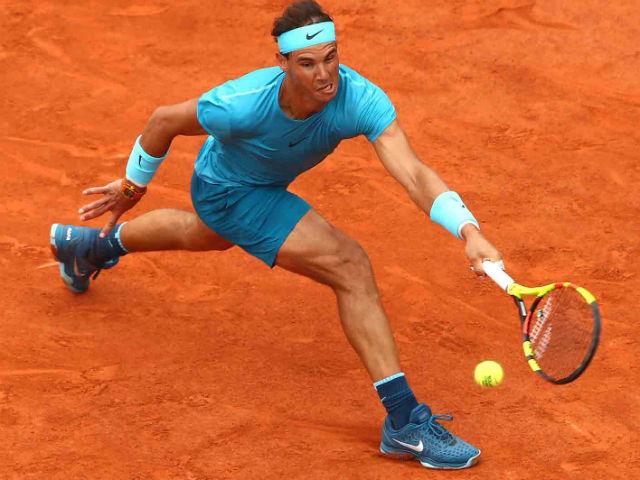 """Roland Garros: Nadal bỏ nhỏ tuyệt tác, Thiem """"khóc thét"""" bất lực"""