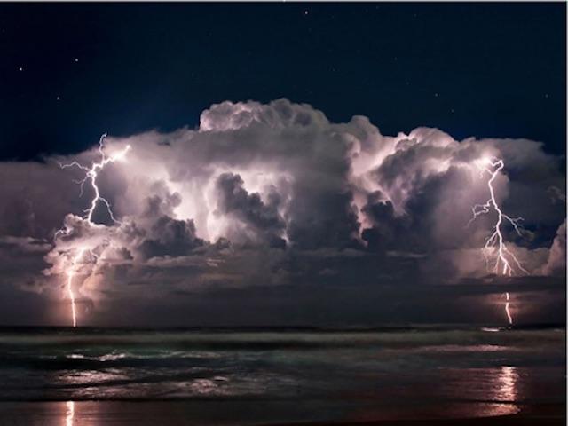 Xuất hiện thiết bị kiểm soát thời tiết và tạo ra thảm họa?