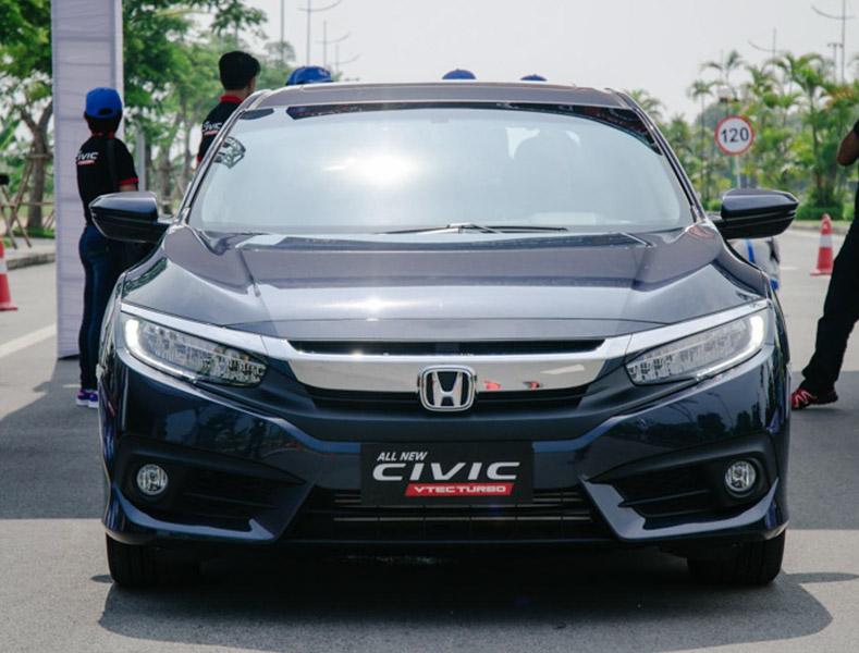 Chỉ có 647 chiếc ô tô dưới 9 chỗ nhập khẩu về Việt Nam trong tuần qua - 1
