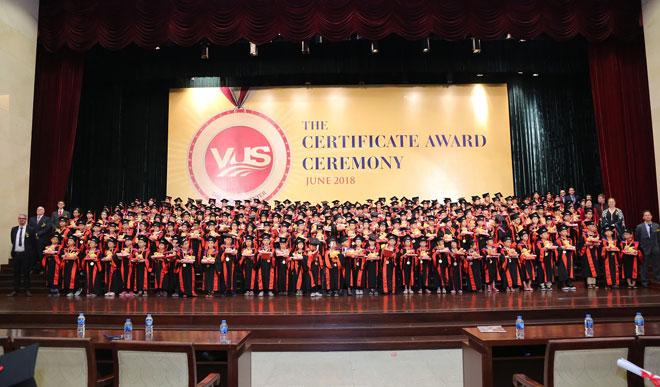 VUS nâng kỷ lục 106.210 học viên nhận chứng chỉ quốc tế - 1