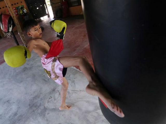 12 tuổi, vô địch thế giới Muay Thái - 1