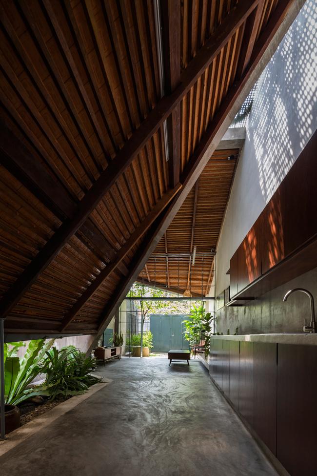 Căn nhà như một sự kết nối liền mạch, không giới hạn giữa nhà và vườn, mang đến cảm giác tự do, phóng khoáng.