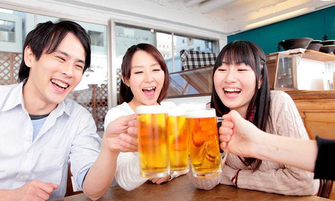 Bí quyết uống rượu bia không lo rối loạn tiêu hóa của người Nhật - 1