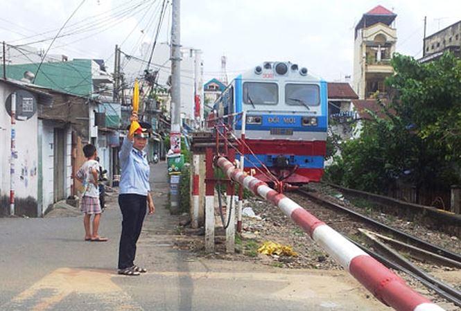 Đường sắt sẽ cấm nhân viên sử dụng smartphone - 1