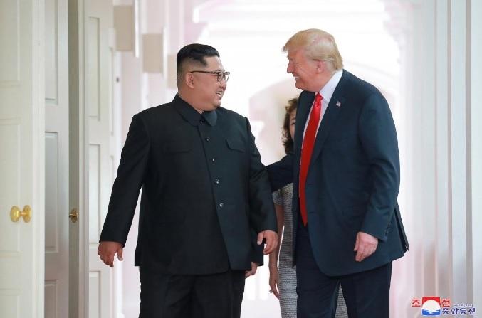 Chính trị gia Mỹ khuyên Trump thận trọng với Triều Tiên - 1