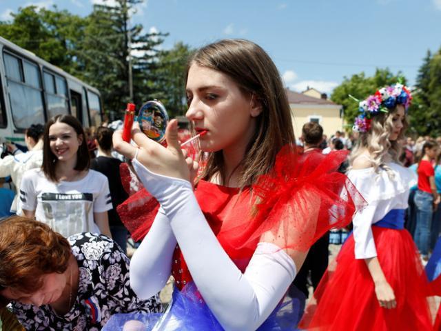 """World Cup 2018: """"Phụ nữ Nga đừng quan hệ với đàn ông ngoại quốc"""""""