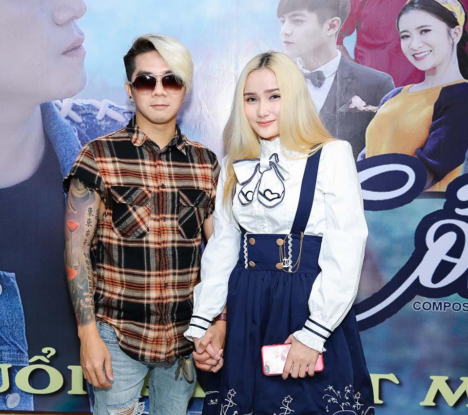 Khánh Đơn công khai bạn gái hot girl kém 8 tuổi sau 2 lần đổ vỡ - 1