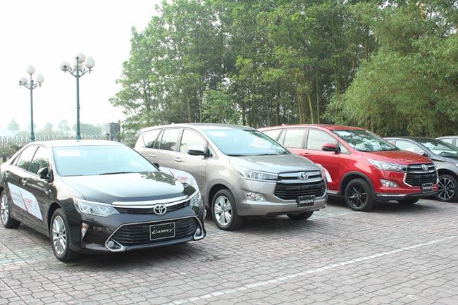 Đón bão ô tô nhập khẩu, xe lắp ráp ồ ạt giảm giá - 1