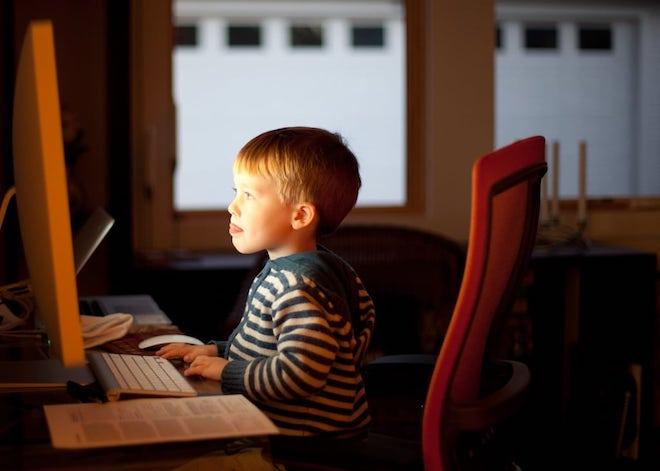 SỐC: Trẻ em cũng tìm kiếm phim khiêu dâm trên internet - 1