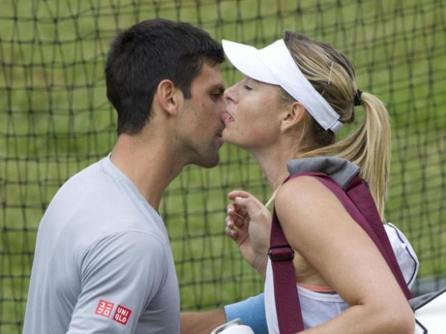 """Djokovic dại dột """"trao thân"""" cho Sharapova: Đau đớn vì dính đòn """"chỗ ấy"""""""