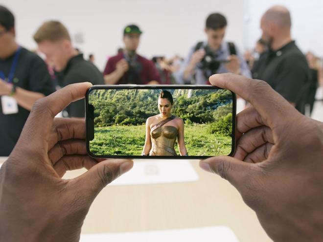 iPhone X đã làm lu mờ iPhone 7 như thế nào? - 1