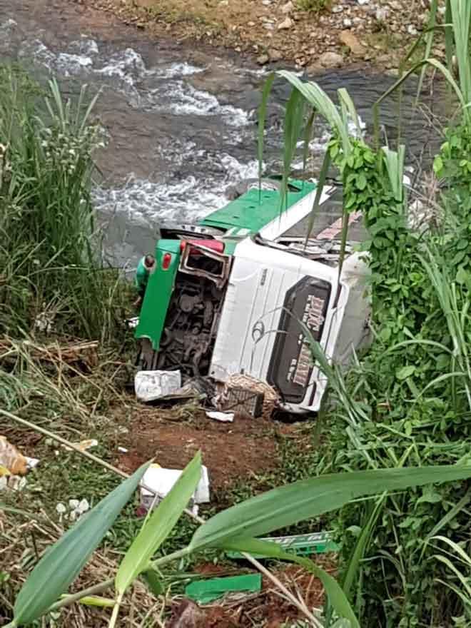 Vụ tai nạn trên đèo Lò Xo: Tài xế xe khách khai mất phanh, mất lái - 1
