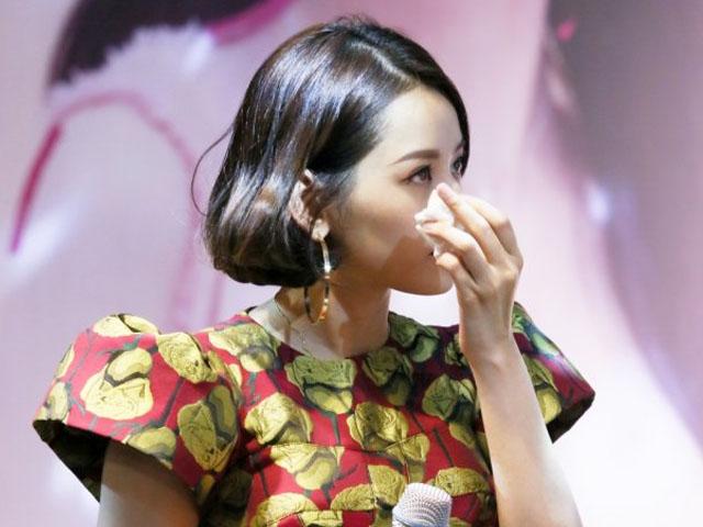 Chi Pu bật khóc, mong khán giả cho thêm cơ hội để đi hát