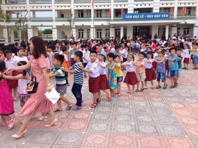 """Hà Nội: Con chưa vào lớp 1, cha mẹ đã """"toát mồ hôi"""" vì lo học luân phiên"""