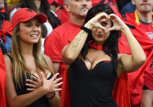 Họ đến từ các quốc gia có đội tuyển tham dự giải bóng đá hot nhất hành tinh.