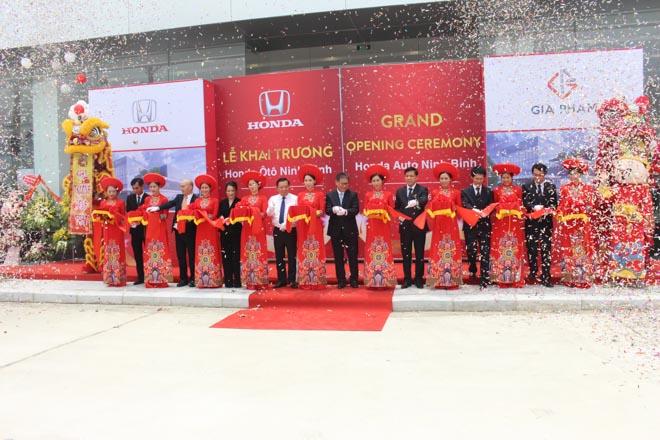 Honda Việt Nam khai trương Đại lý ôtô đạt tiêu chuẩn 5S thứ 29 trên toàn quốc: Honda Ôtô Ninh Bình - 1