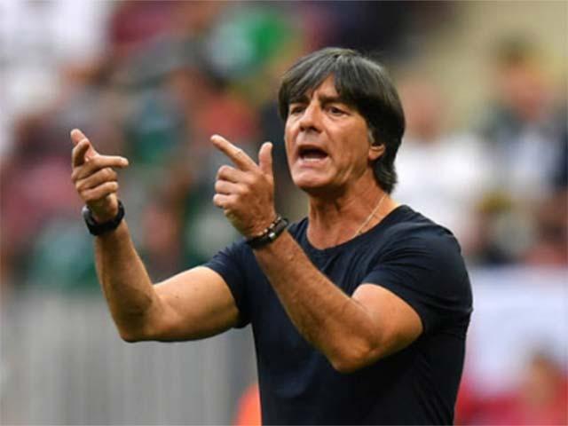 """Cú sốc World Cup: Đức thua thảm, học trò bật thầy, huyền thoại """"xâu xé"""""""