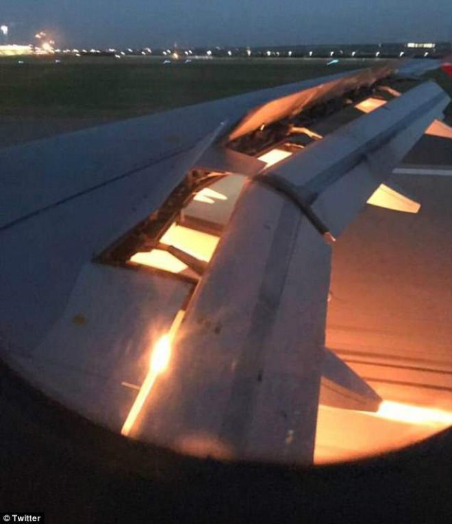 Máy bay chở đội Saudi Arabia bốc cháy: Suýt có đại thảm họa World Cup 2018 - 1