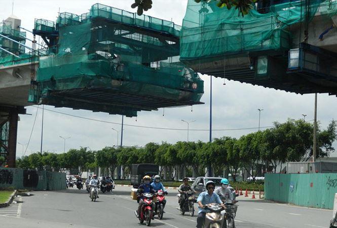 Metro Sài Gòn điêu đứng vì thủ tục - 1