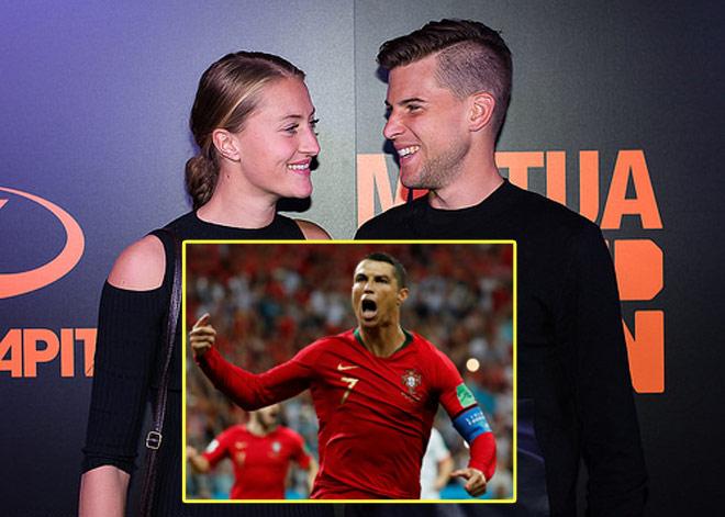 """Ronaldo rực sáng World Cup: Mỹ nhân mê mẩn, """"phản bội"""" siêu sao tennis - 1"""