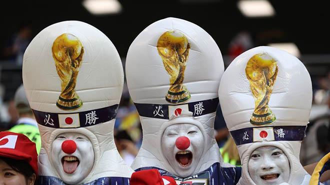 Nhật Bản ăn mừng thắng sốc World Cup: Nhà báo quốc tế choáng váng vì triệu fan - 14