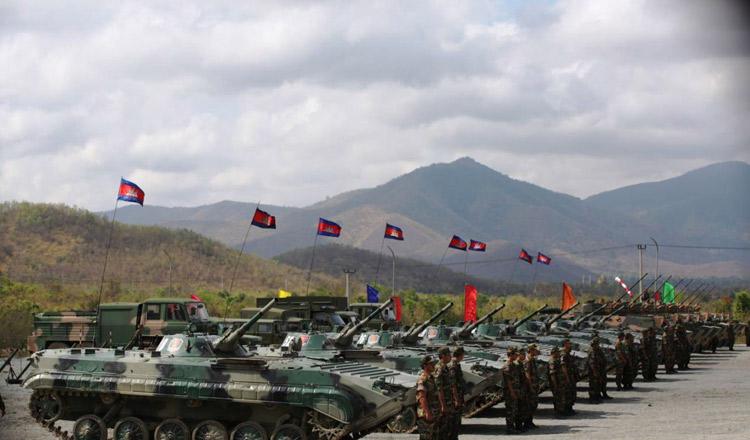 Trung Quốc viện trợ quân sự hơn 100 triệu USD cho Campuchia - 1