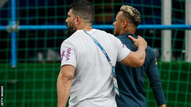 """World Cup: Neymar dính hạn, cha vẫn """"đi đêm"""" với Real, Ronaldo sôi máu - 1"""