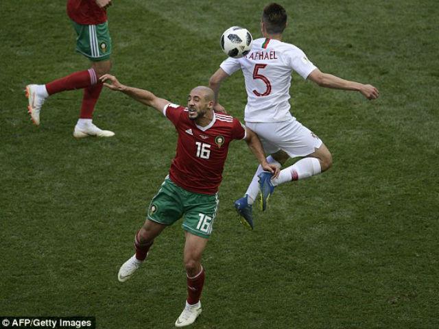 Va chạm tranh cãi: Trọng tài lắc đầu, Bồ Đào Nha 2 lần thoát penalty