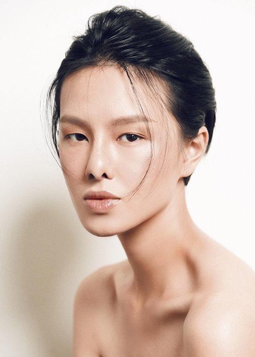 Người mẫu Hà Kino tiết lộ hậu trường chai sạn, chảy máu và thâm tím - 1