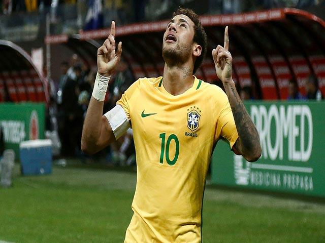 """Brazil """"biến"""" lớn: """"Trùm"""" Neymar nổi loạn đòi làm sếp lớn, sánh bước Messi - Ronaldo"""