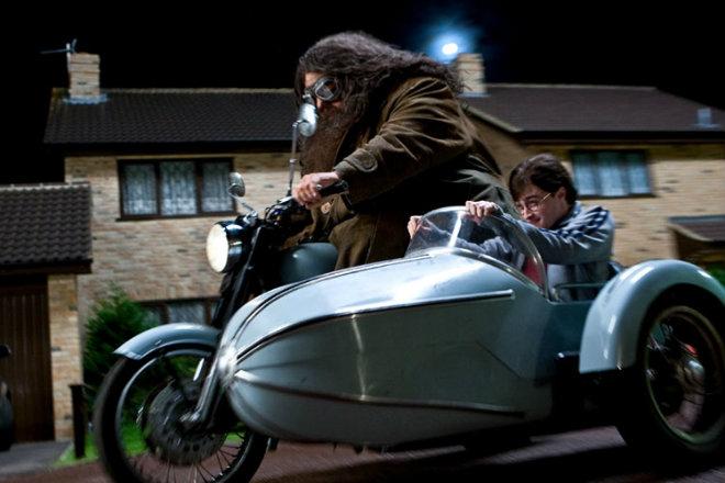 Cận cảnh xế nổ của Giáo sư Phù thủy và Harry Potter - 1