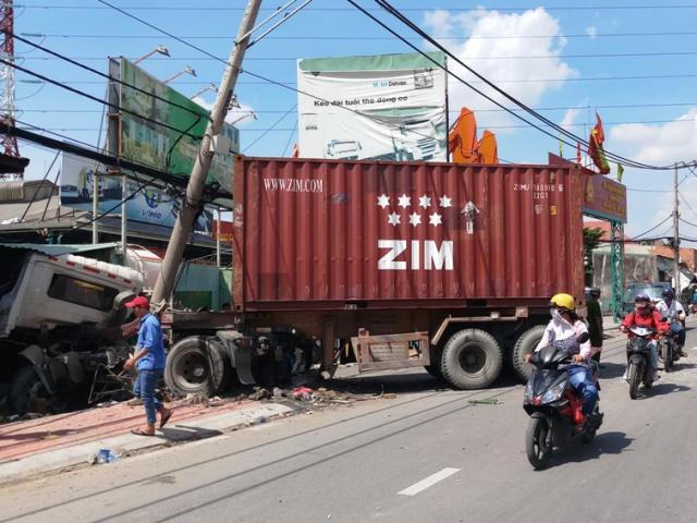 Không ngủ trưa, bảo vệ ở Sài Gòn thoát chết trong gang tấc
