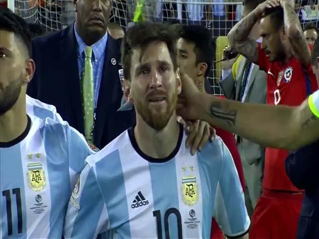 Chấn động World Cup 2018: Messi lại từ giã Argentina, tính khoác áo Catalunya?
