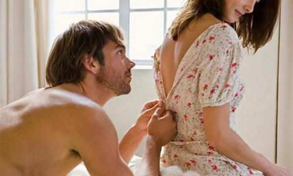 Choáng khi bắt gặp chồng và osin trên giường với tư thế lạ - 1