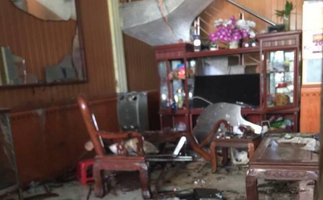 Hận gia đình vợ, con rể cũ ôm mìn kích nổ, 3 người thương vong - 1