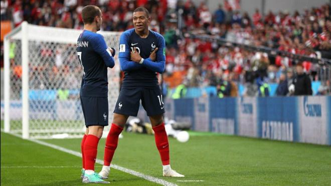 """""""Ăn trộm"""" bàn thắng Giroud, SAO 180 triệu euro đi vào lịch sử ĐT Pháp - 1"""