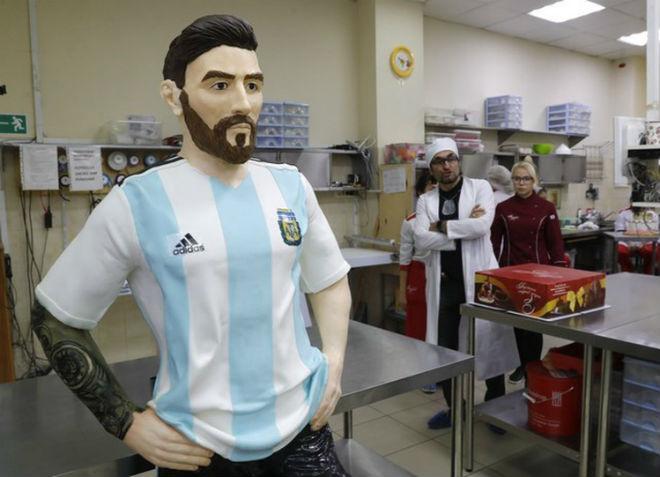 Trực tiếp tin nóng World Cup 24/6: Messi nhận quà sinh nhật đặc biệt 60kg - 1