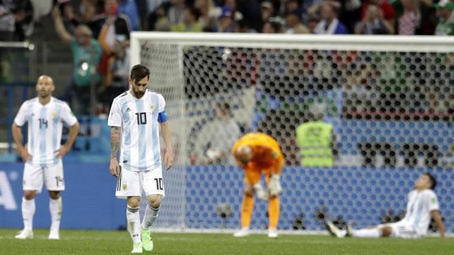 """Argentina """"sinh tử"""" với Nigeria: Messi suy sụp, điềm gở - điềm lành - 1"""
