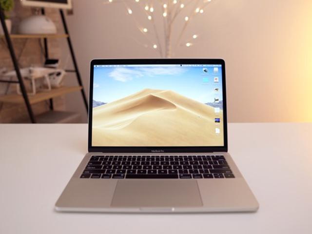 """Sau 12 tháng, MacBook Pro 2017 vẫn """"mướt"""" chán"""