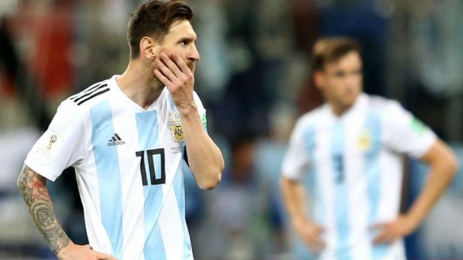 Báo Argentina không tin HLV Sampaoli, mong Croatia chơi đẹp cứu Messi - 1