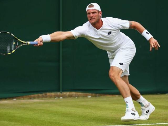 """Wimbledon, """"nạn nhân"""" Federer: Cú giao bóng kinh hãi 237 km/h"""