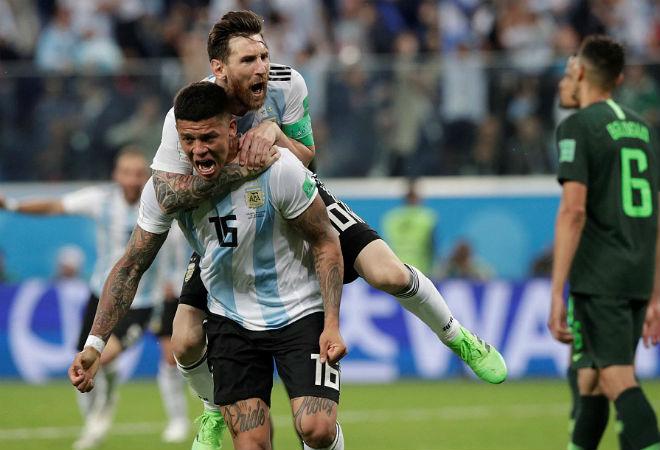 "Argentina thoát hiểm: Messi cảm ơn fan, ""đá xoáy"" BĐN - Ronaldo - 1"